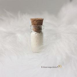 Glasphiole mit Muttermilchpulver